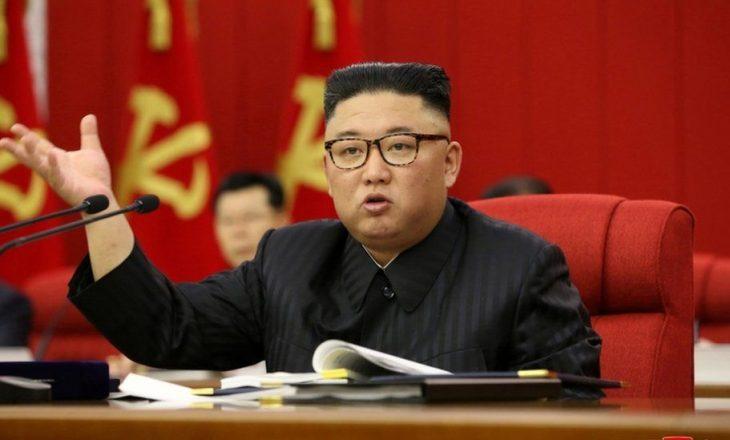 KIM JONG-UN PRANON QË KOREJA E VERIUT PO PËRBALLET ME MUNGESË USHQIMI